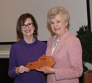 Linda Heaton, recipient of the Retiree Service Award